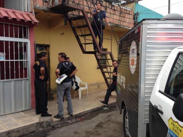 Moradores do local ouviram tiros e acionaram a polícia (Foto: Indiara Bessa/G1 AM)
