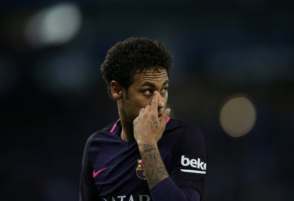 Neymar em Espanyol x Barcelona (Foto: REUTERS/Albert Gea)