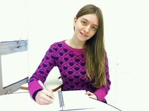 Jéssica Gunter Fanizzi, de 18 anos, quer estudar química ou farmácia (Foto: Vanessa Fajardo/ G1)