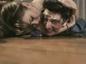 Sandy e Marcelo Adnet contracenam em clipe da cantora (Foto: Divulgação)
