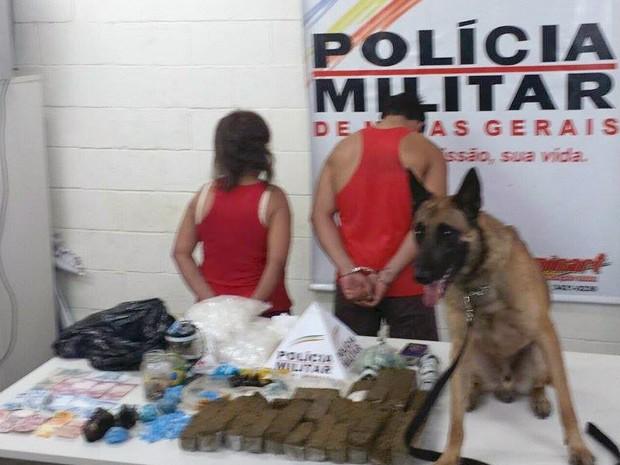 apreensão drogas Delta família quadrilha PM (Foto: Polícia Militar de Uberaba/ Divulgação)