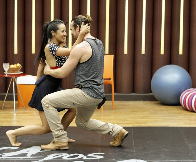 Igor Rickli dançando com a parceira Suellem Morimoto (Foto: Fábio Rocha/Gshow)