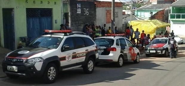 Segundo polícia, pai matou os dois filhos e cometeu sucídio, em Arujá (Foto: Fernando Mancio/ TV Diário)