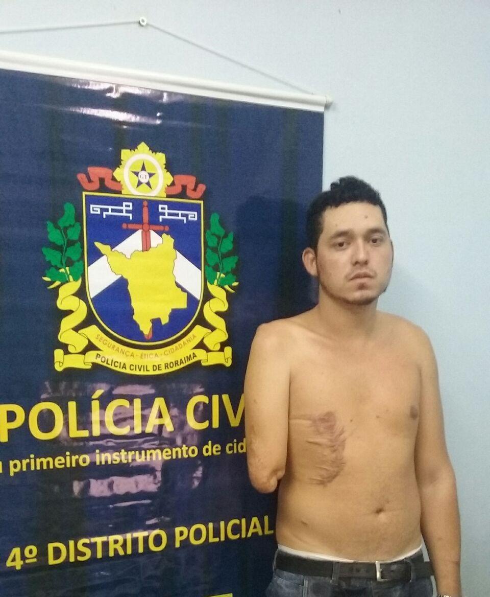 Suspeito conhecido como 'bracinho' conduzia veículo durante assalto (Foto: Divulgação/ Polícia Civil)
