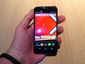 Moto X tem tela de 4,7 polegadas, o tamanho limite para o uso confortável, segundo a Motorola (Foto: Gustavo Petró/G1)