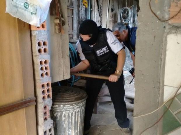 operação anjos da lei (Foto: Dayanne Rodrigues/RBS TV)