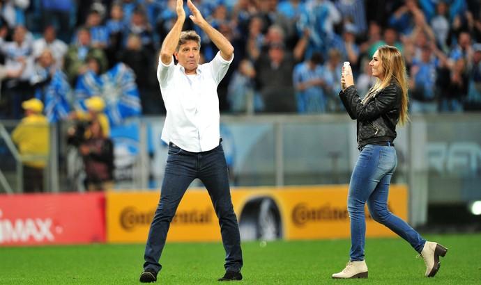 Renato e Carol Portaluppi na Arena (Foto: Wesley Santos / Agência PressDigital)