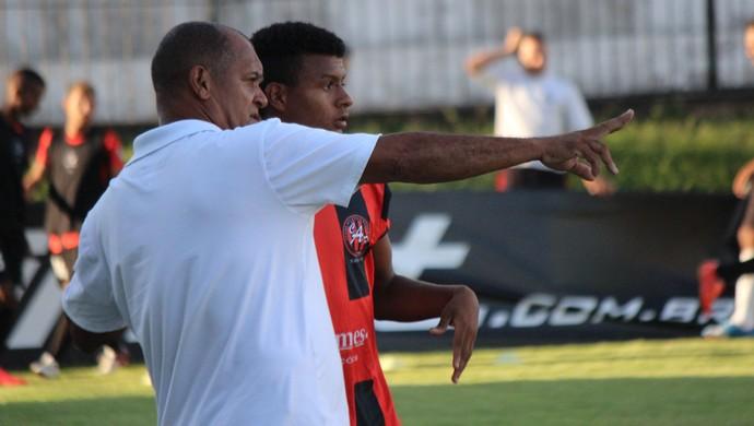 Wassil Mendes técnico Atlético Potengi (Foto: Augusto Gomes/GloboEsporte.com)