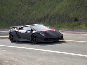 lamborghini sesto elemento no filme need for speed (Foto: Divulgação)