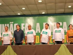 Francisco Maia, Eduardo Riedel, deputados e senadores participam do Leilão da Resistência (Foto: Nadyenka Castro/ G1 MS)