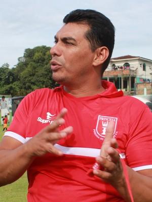 Marcos Piter - técnico Princesa do Solimões (Foto: Isabella Pina)