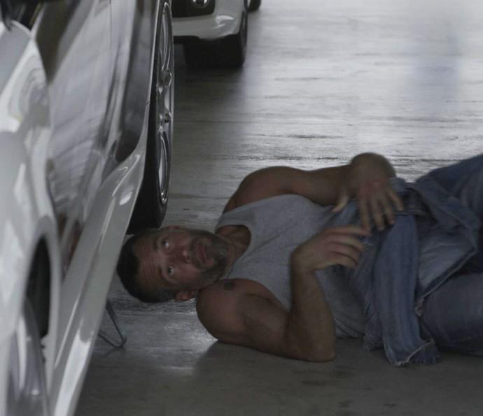 A executiva fica surpresa ao saber que ele também é mecânico (Foto: TV Globo)