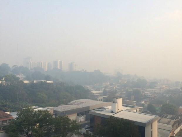 Fumaça em Manaus (Foto: Arquivo Pessoal/ Rodrigo Costa)