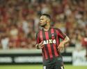 """""""Tem que transpirar muito"""", diz Carlos Alberto sobre Furacão na Libertadores"""