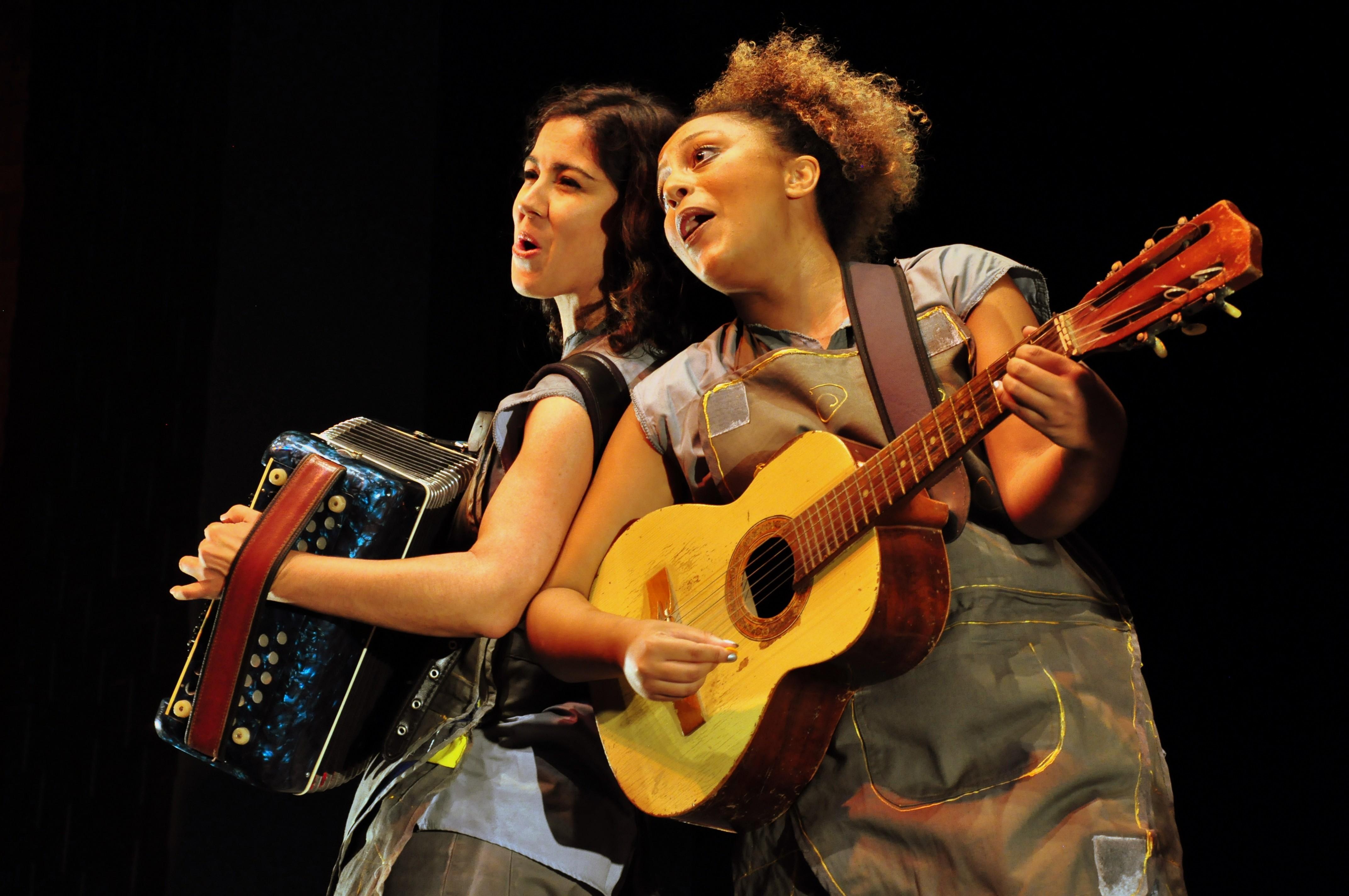 Princesa e Costureira (Foto: Alexandre Krug/divulgação )