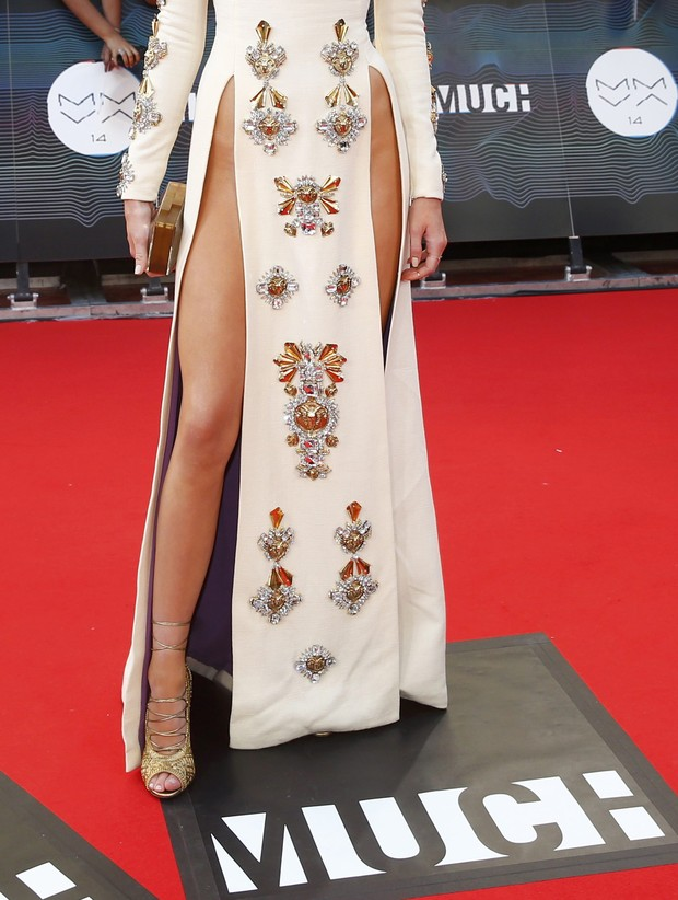 Detalhes do vestido de Kendall Jenner (Foto: Reuters)