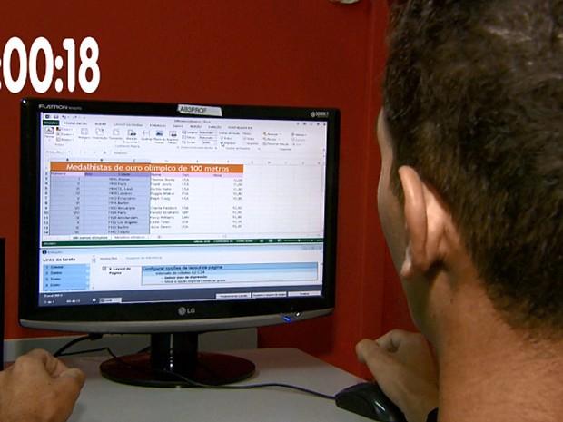 Jovem de Leme resolveu uma das questões em apenas 18 segundos (Foto: Rodrigo Sargaço/EPTV)
