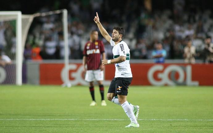 henrique almeida coritiba x atlético-pr atletiba (Foto: Giuliano Gomes/PR Press)
