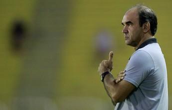 "Ricardo aprova só 2º tempo do Bota e explica zaga reserva: ""Risco calculado"""