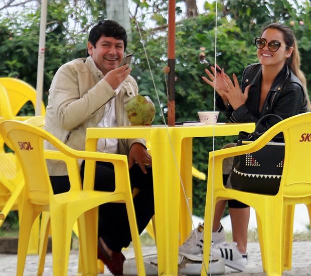 Maite Perroni e Deva Santos (Foto: Agnews)