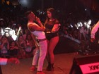 Anitta faz dança ousada com Nego Borel em show no Rio