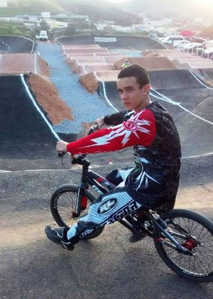 Isaque William de Souza, ciclista em Itaúna (Foto: Isaque William/Arquivo pessoal)