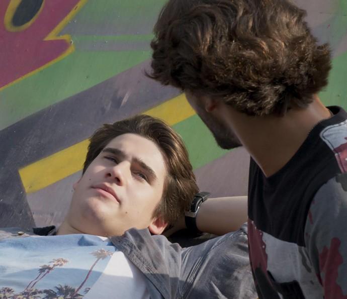 Rodrigo diz que ainda não viu vantagem em ficar solteiro (Foto: TV Globo)