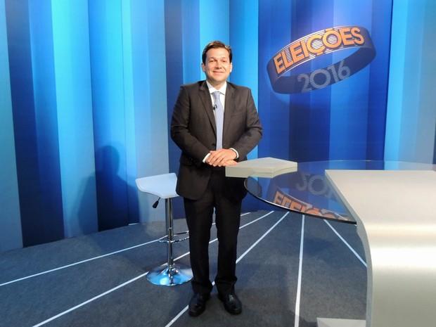 Candidato à prefeito do Recife Geraldo Julio (PSB) participa de debate promovido pela TV Globo nesta sexta-feira (28) (Foto: Artur Ferraz/G1)
