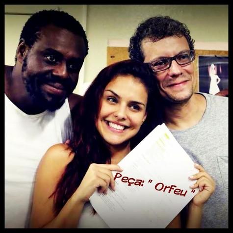 A atriz entre Paulo Américo e Marcelo Airoldi (Foto: Arquivo pessoal)