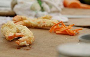 Tempura: como fazer o camarão e os legumes fritos