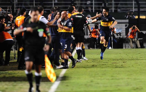 Riquelme gol Boca Juniors x Corinthians (Foto: Marcos Ribolli / Globoesporte.com)