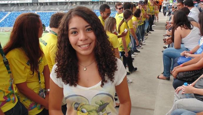 Voluntária mexicana verá sua seleção em campo pela primeira vez na Arena das Dunas, em Natal (Foto: Klênyo Galvão)