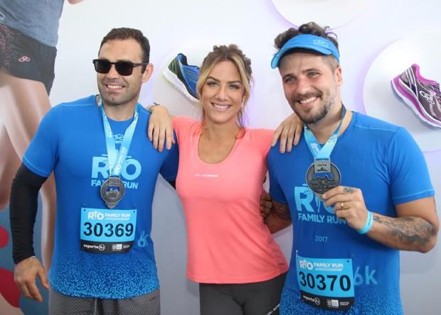 Chico Salgado, Giovanna Ewbank e Bruno Gagliasso (Foto: Daniel Pinheiro/AgNews)