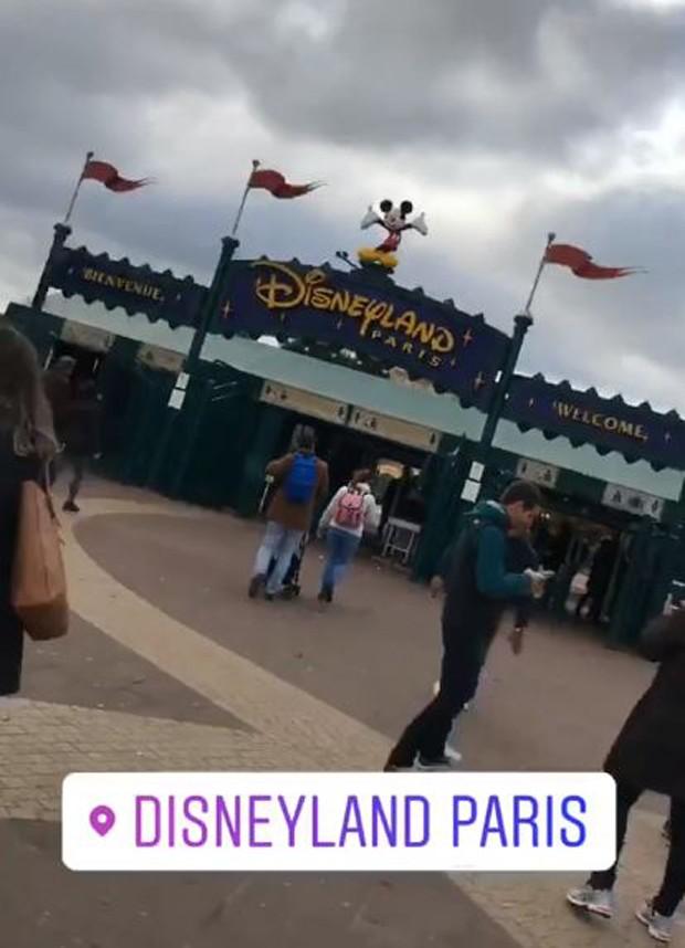 Larissa Manoela na Disneyland Paris (Foto: Reprodução/Instagram)