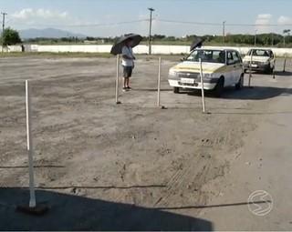 Aluno de Resende reclamam das condições para o treinamento (Foto: Reprodução: RJTV 1ª Edição)