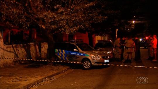 Pedreiro suspeito de matar mulher e enteada brigava por ciúmes, diz vizinha