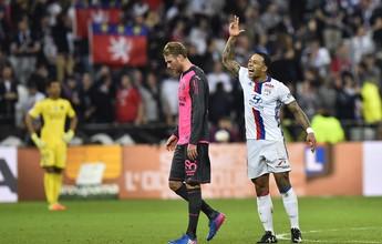 """Depay """"repete"""" Dudu e faz golaço do meio de campo no Lyon. Assista!"""