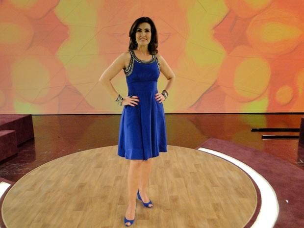 Fátima arrasou com vestido azul royal (Foto: Encontro com Fátima Bernardes/TV Globo)