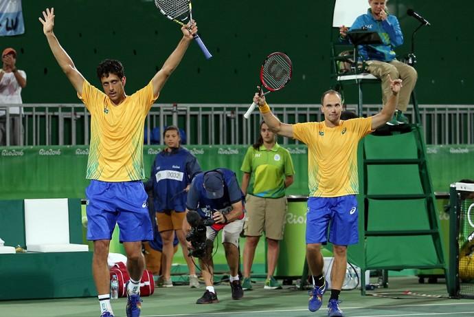 Bruno Soares e Marcelo Melo na Olimpíada (Foto: Cristiano Andújar / CBT)