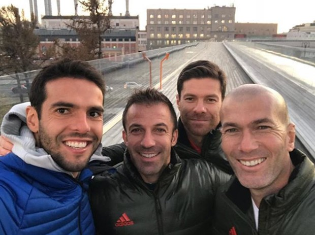 Kaká com Alessandro Del Piero, Xabi Alonso e Zidane (Foto: Reprodução/Instagram)
