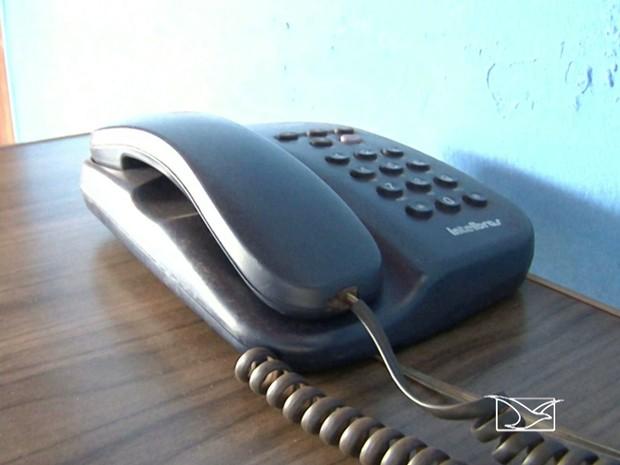Em Peritoró, população reclama das operadoras de telefonia fixa (Foto: Reprodução/TV Mirante)