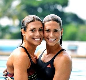 Bia e Branca gêmeas do nado sincronizado (Foto: André Durão / Globoesporte.com)