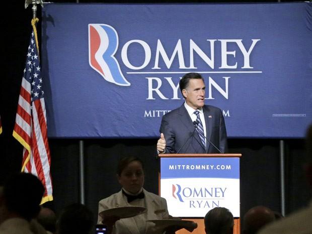 O candidato republicano à presidência dos EUA, Mitt Romney, discursa nesta terça-feira (18) em Salt Lake City, Utah (Foto: AFP)