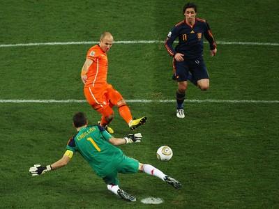 robben casillas espanha x holanda final copa do mundo (Foto  Getty Images) 1281eab13f4bc