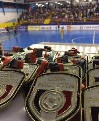 Medalha Copa Paulista de Futsal (Foto: Henrique Pedreira/TV Vanguarda)