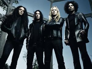 A formação atual do Alice in Chains tem o baixista Mike Inez, o baterista Sean Kinney, o guitarrista Jerry Catrell e o vocalista William DuVall (Foto: Divulgação)