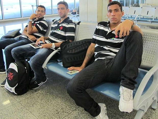 Eder Luis, Thiago Feltri e Allan embarque Vasco (Foto: Gustavo Rotstein / Globoesporte.com)