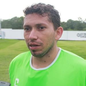 Eusébio, meia do Nacional-AM (Foto: Marcos Dantas)