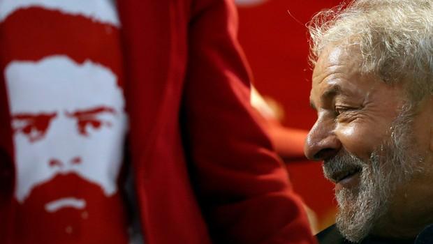 O ex-presidente Luiz Inácio Lula da Silva discursa no Congresso do PT em São Paulo (Foto: Leonardo Benassatto/Reuters)