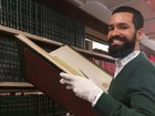 Ex-vendedor de cocadas faz casa de 750 m² para abrigar 14 mil livros